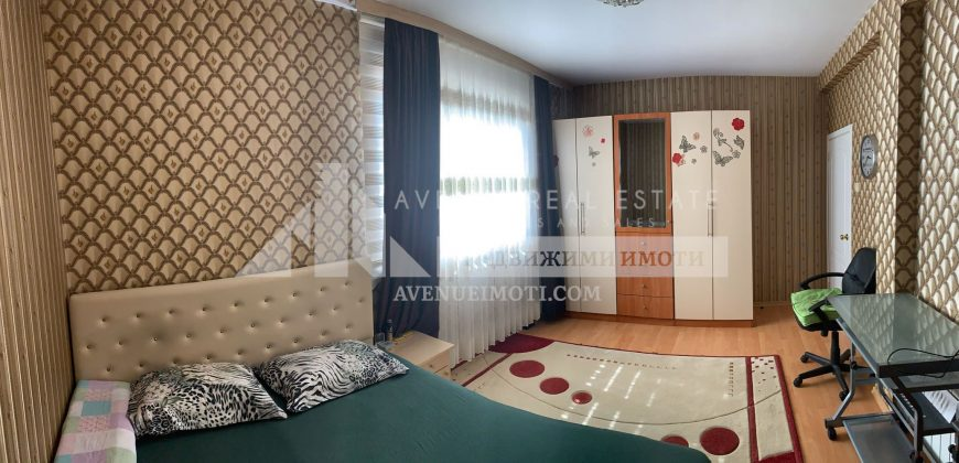 Две къщи в кв. Долни Воден гр. Асеновград.